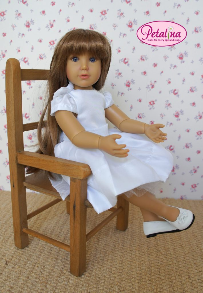 aletta doll seated