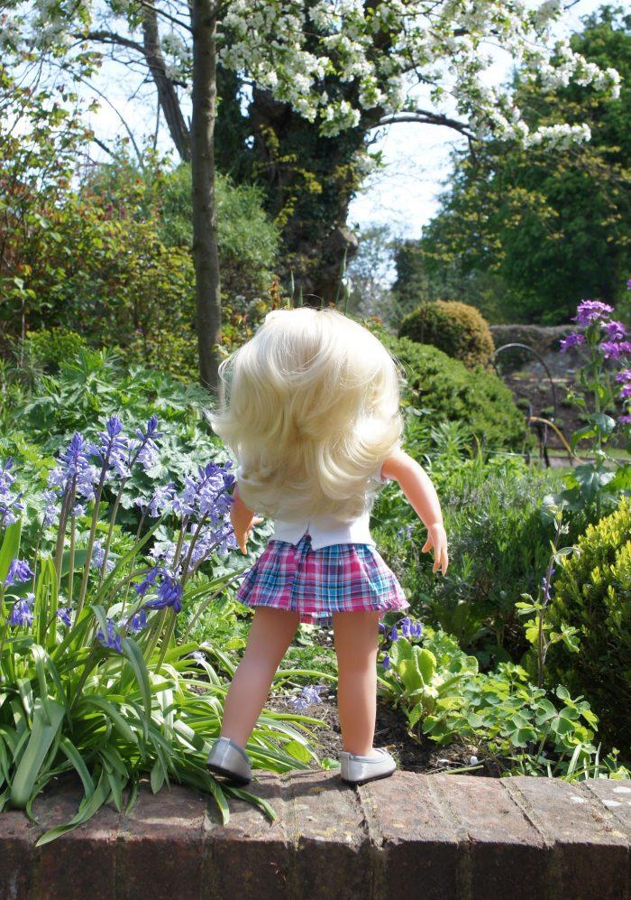 wegirls in the garden