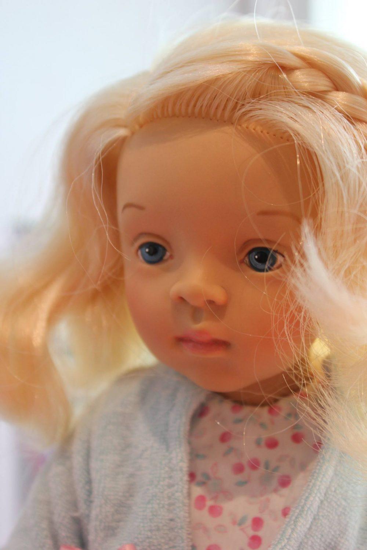 Joelle face