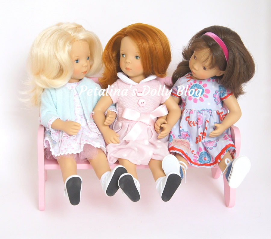 minouche dolls chatting