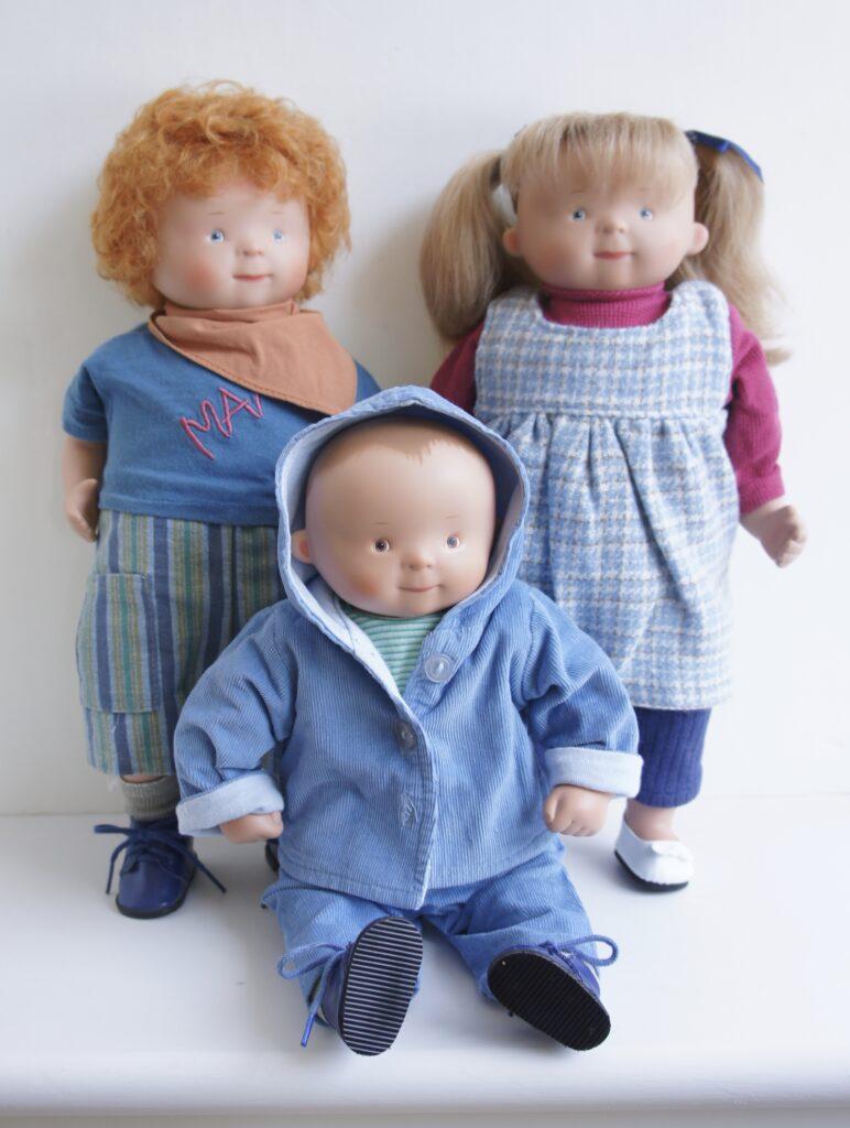 white balloon dolls